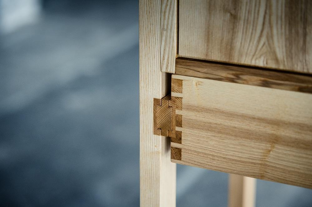 holz factum m beldesign aus massivholz stollenschrank. Black Bedroom Furniture Sets. Home Design Ideas